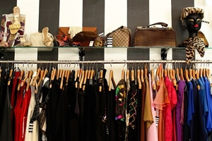 Travel Advice: Tips for Finding Good Quality Clothes When Vintage Shopping on Your Travels