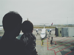 Travel Advice: Tips for FlyingWith a Baby