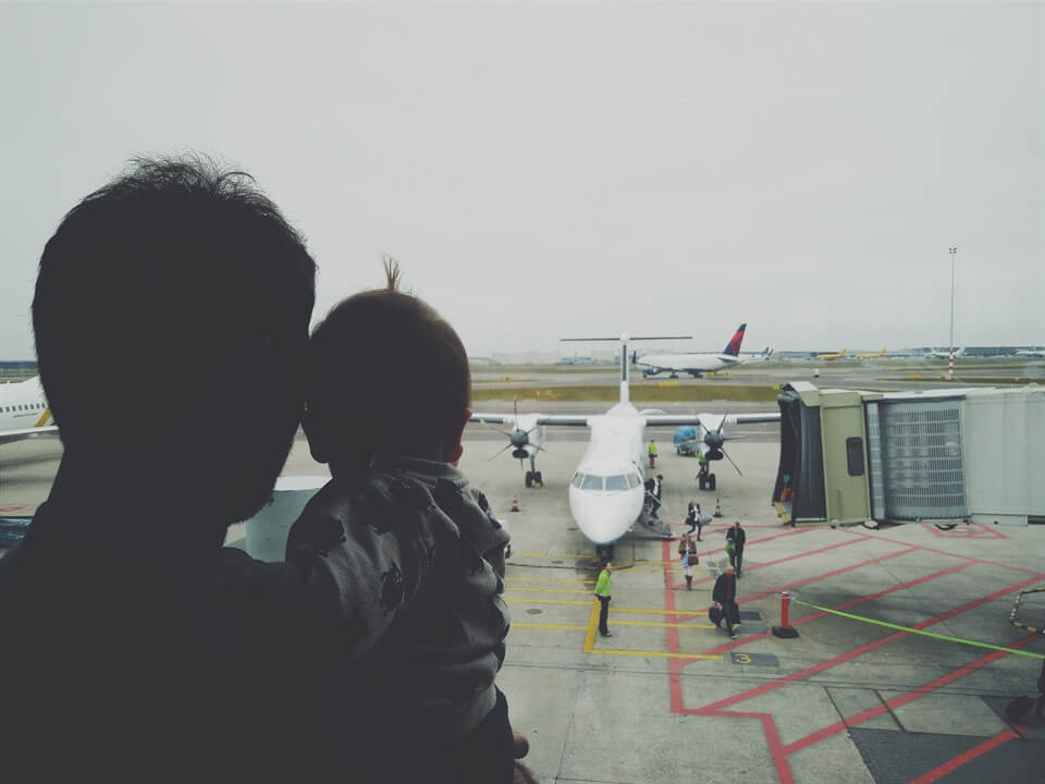 Travel Advice: Tips for Flying With a Baby Under Six Months