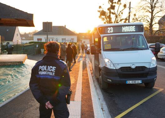 police municipale bus ecole maubert fontaine