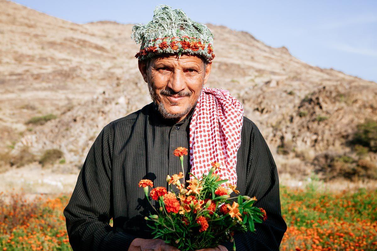 Картинки по запросу flower men of saudi