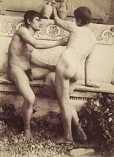 Jeunes nus pic