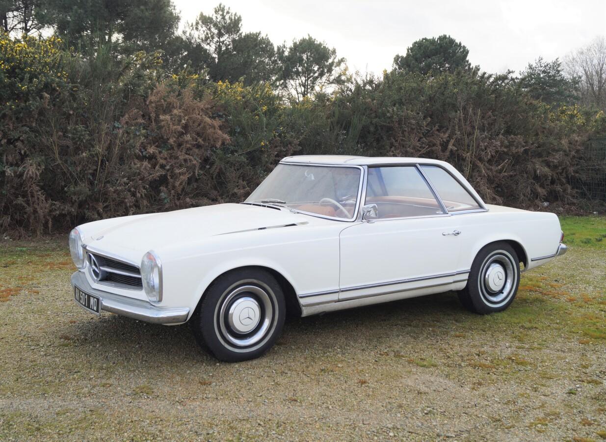 Vente Véhicules de Collection, Automobilia, Miniatures chez Ruellan Auction : 4 lots