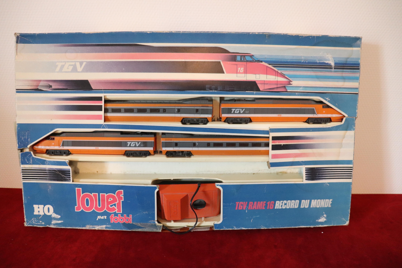 ECHELLE H0 1//87  #2 JOUEF LOT 6 ELEMENTS PASSAGE SUPERIEUR COURBE