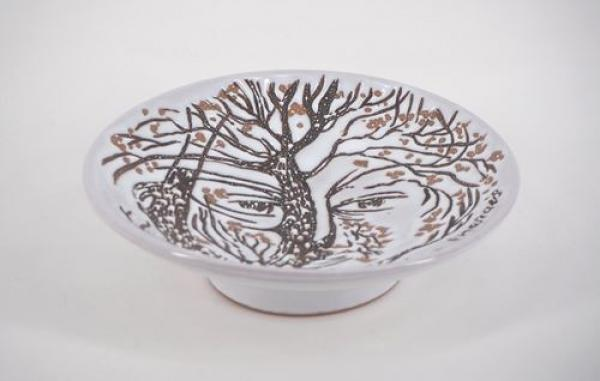 Jean MARAIS Bowl with a tree face Original red clay ceramic, with white and brown [...]