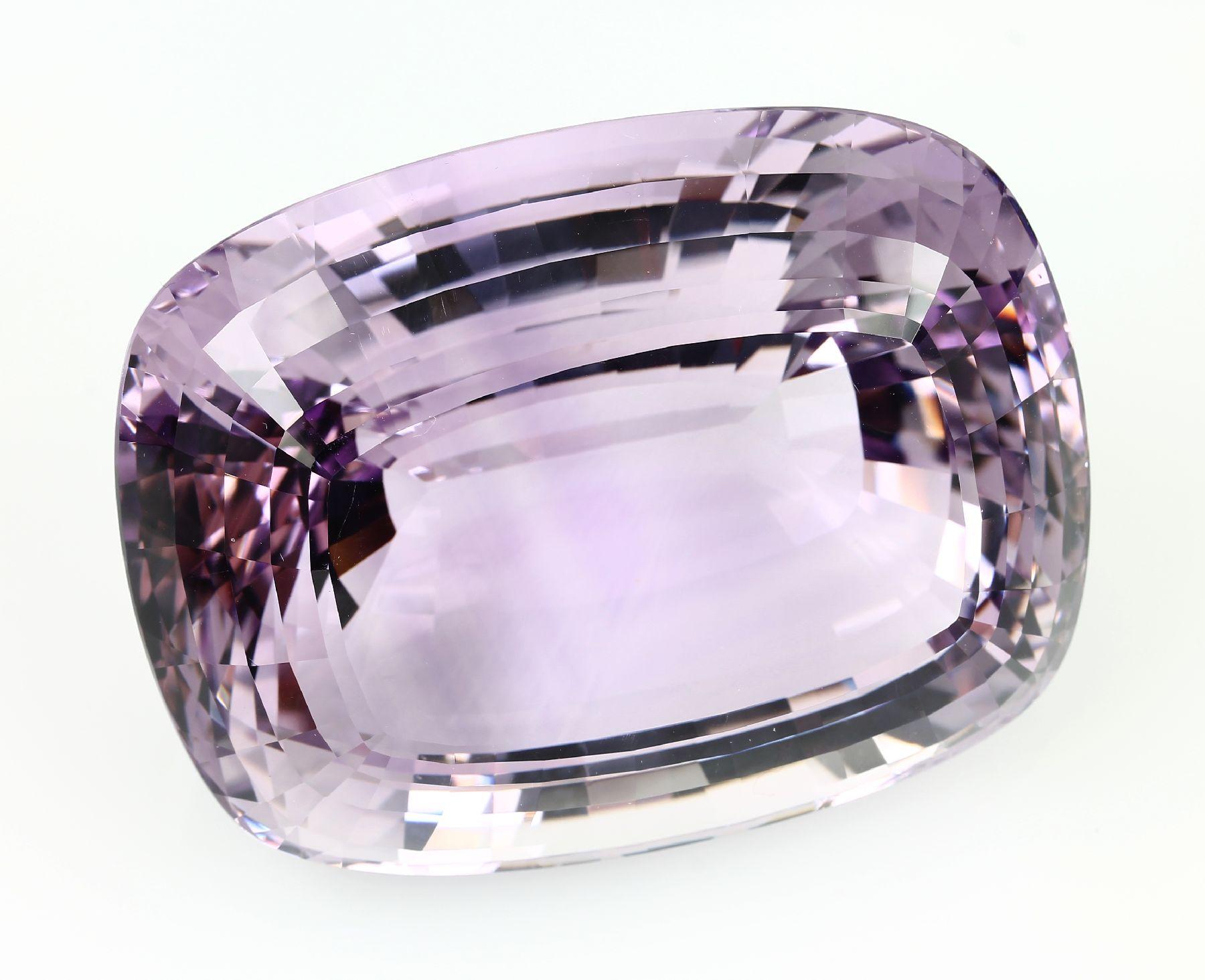 Vente Diamants et Pierres de Couleurs chez Henry's Auktionshaus : 150 lots