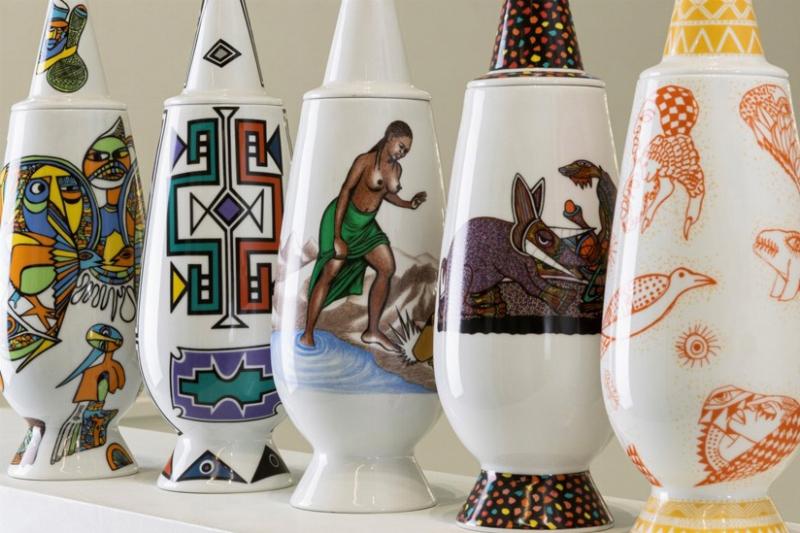 Vente Les 100 Vases de la Série ''100% Make-up'' d' Alessandro Mendini (Milano) chez Finarte Auctions S.r.l. : 101 lots