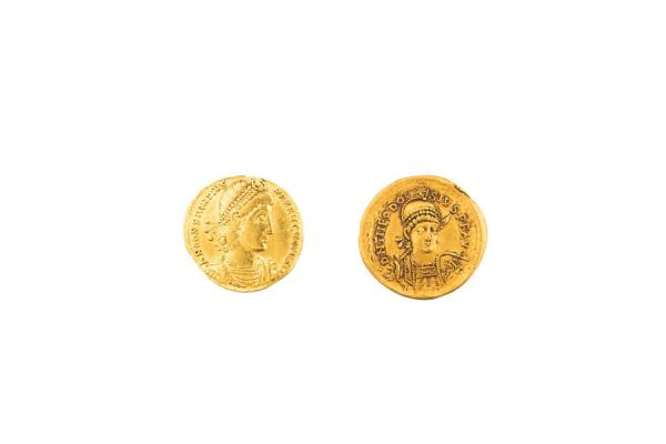 EMPIRE ROMAIN, lot de 2 pièces :  - Constance II (337-361), solidus, Thessalonique. [...]