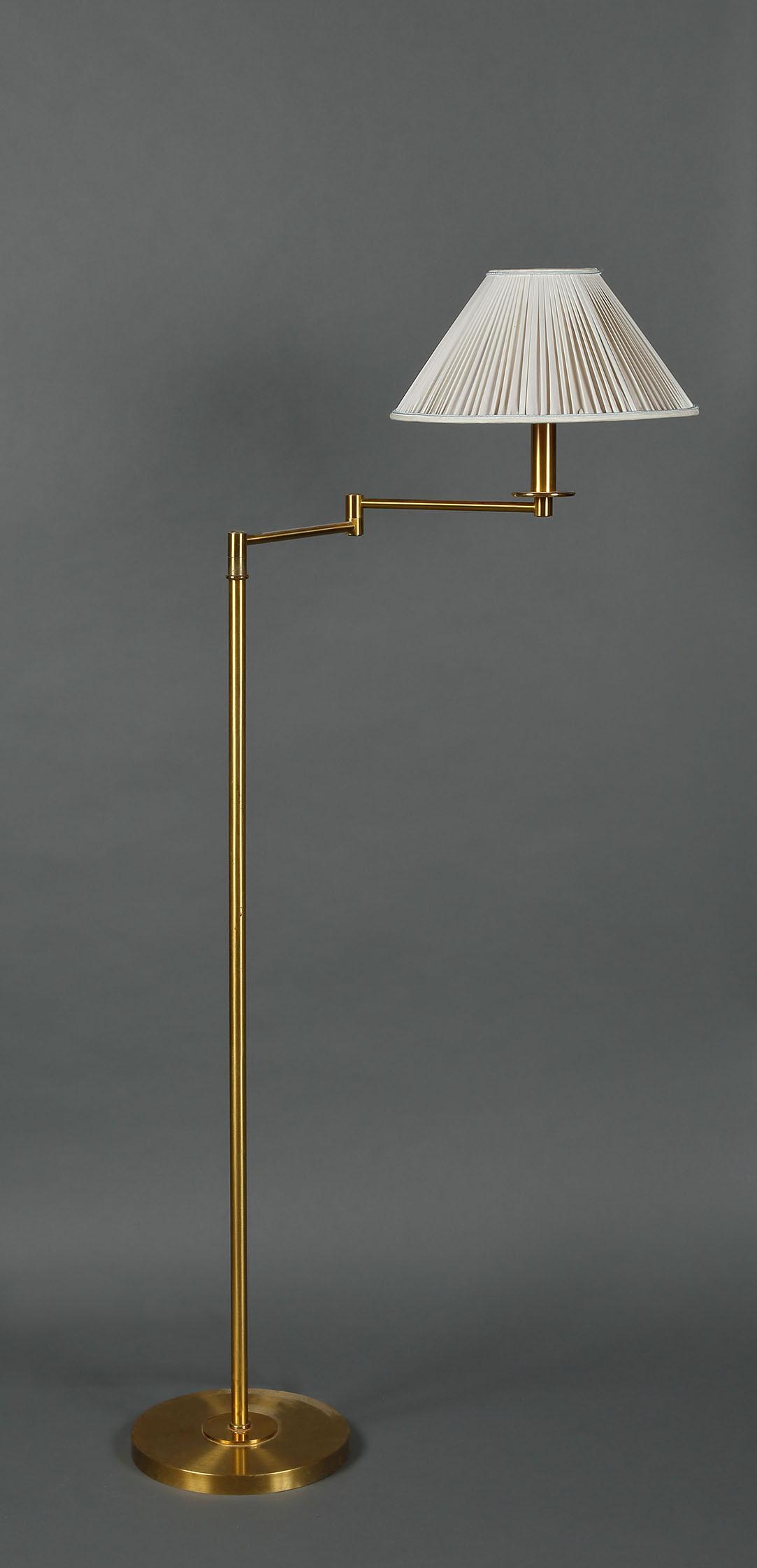 Lampadaire Liseuse A Bras Articule En Metal Dore Abat Jour Blanc