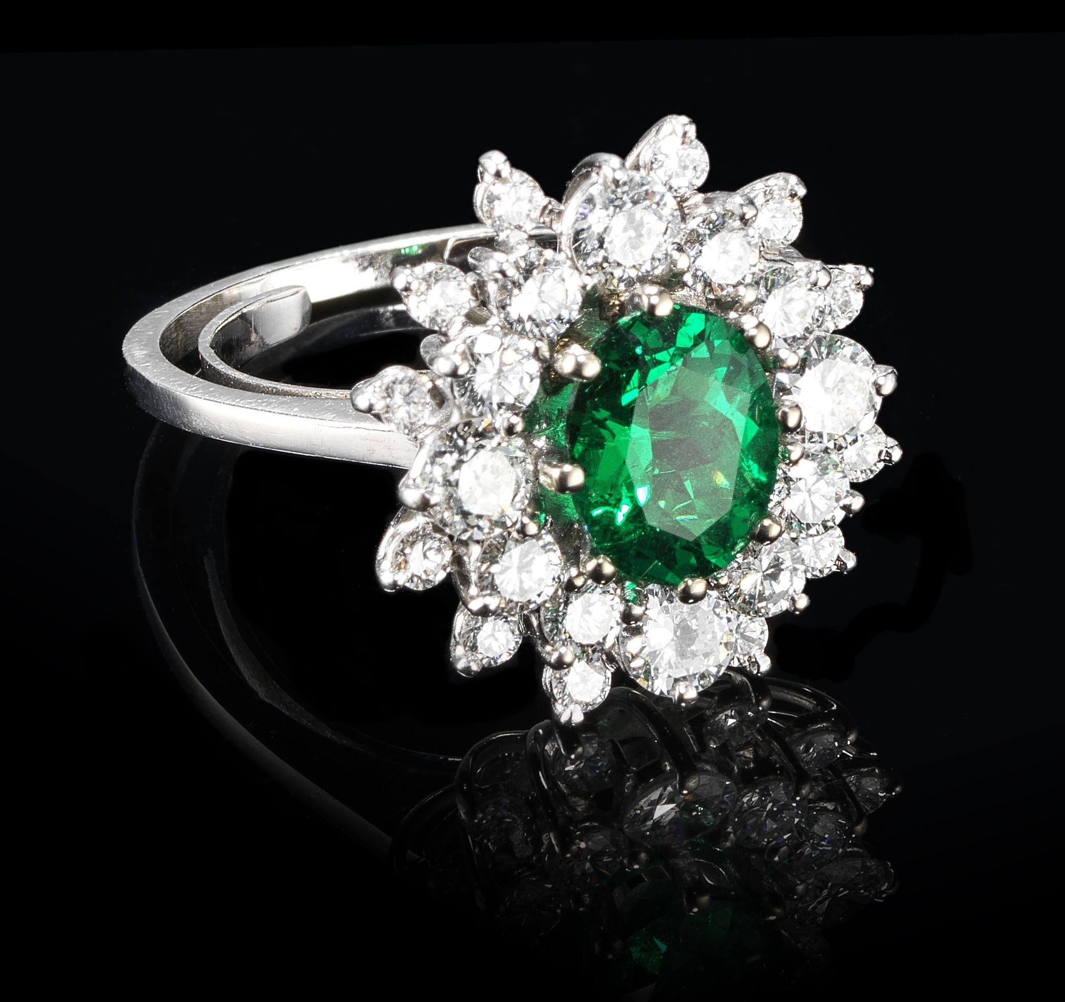 Vente Montres et bijoux chez Genève Enchères : 166 lots