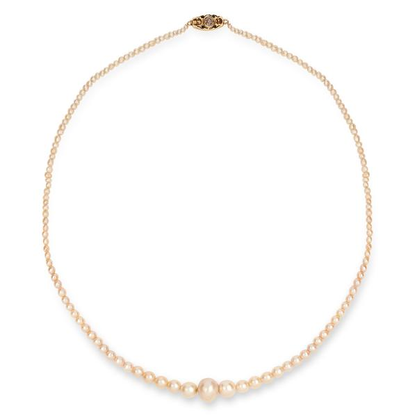 NATURAL SALTWATER AND CULTURED PEARL NECKLACE comprising of a single strand or [...]