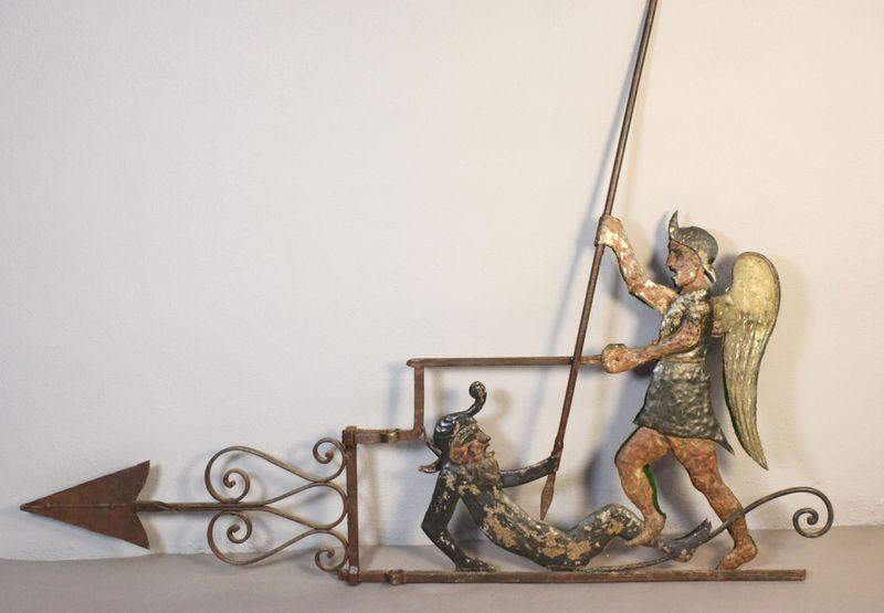 Auction Art Populaire at Auxerre Enchères : 318 lots