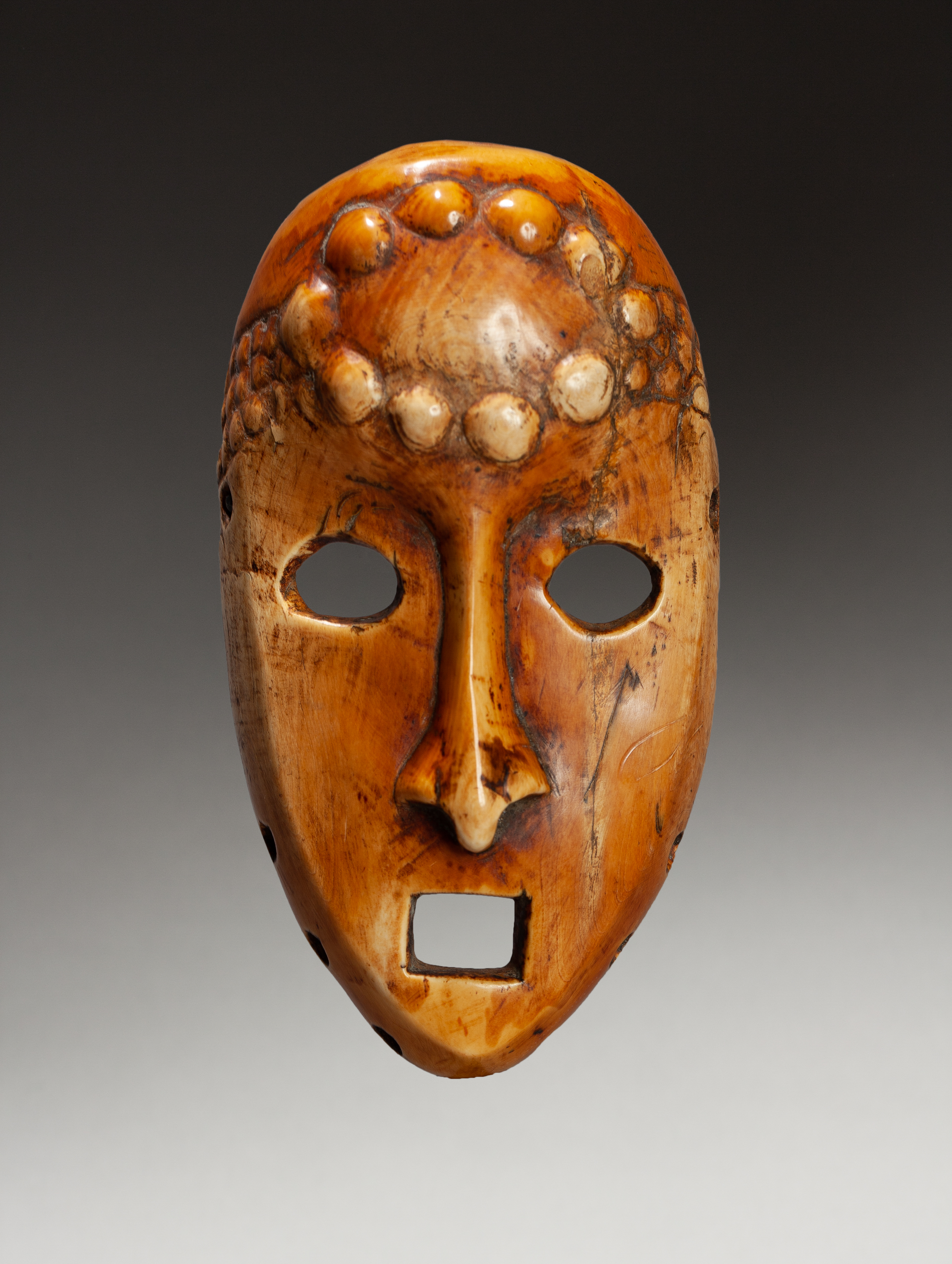 Vente Carnets de Voyages Art Tribal d'Afrique & Océanie chez Millon et Associés Paris : 349 lots