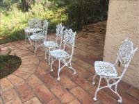 Salon de jardin en fonte d\'aluminium laquée blanc comprenant 3 ...
