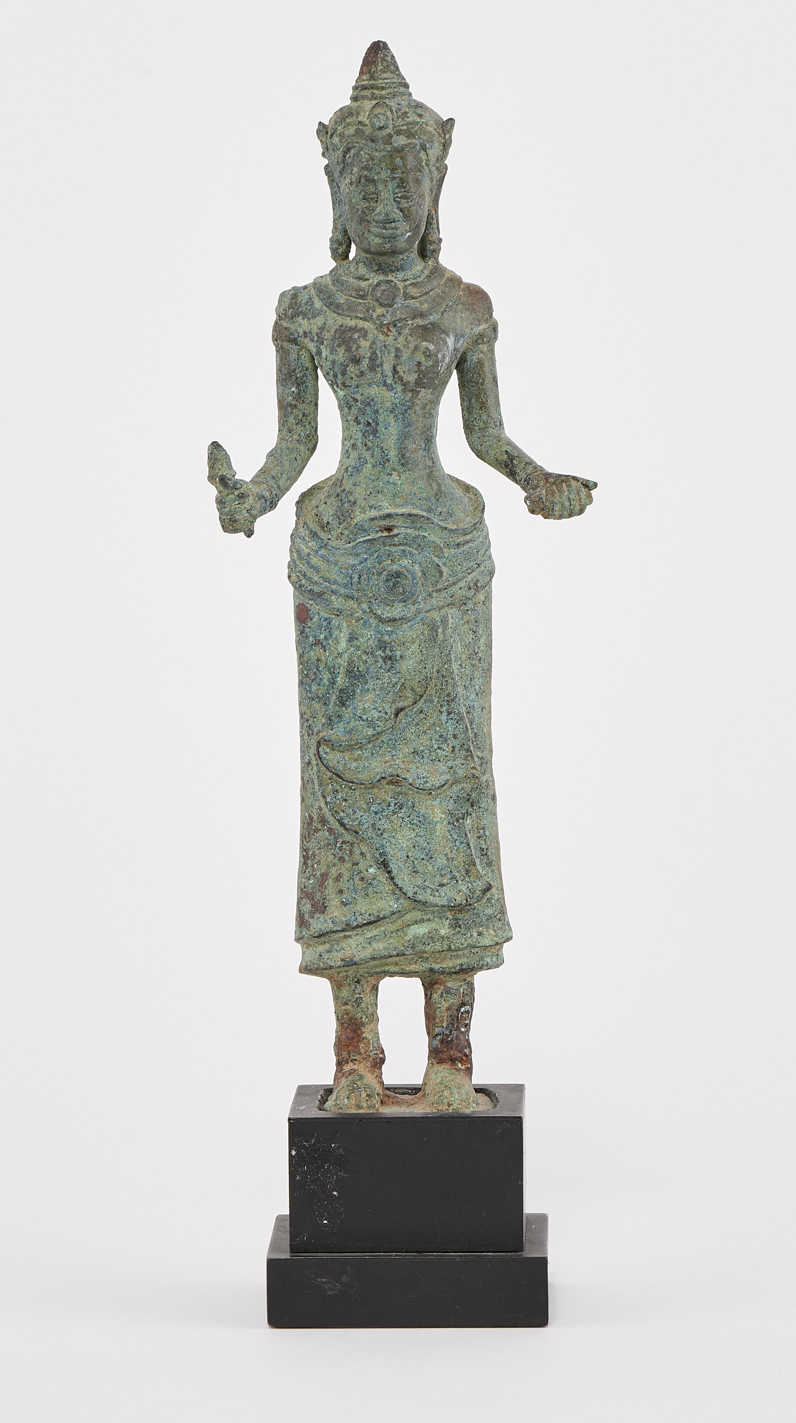 Vente Art asiatique, art de l'Iran et art africain chez Genève Enchères : 230 lots