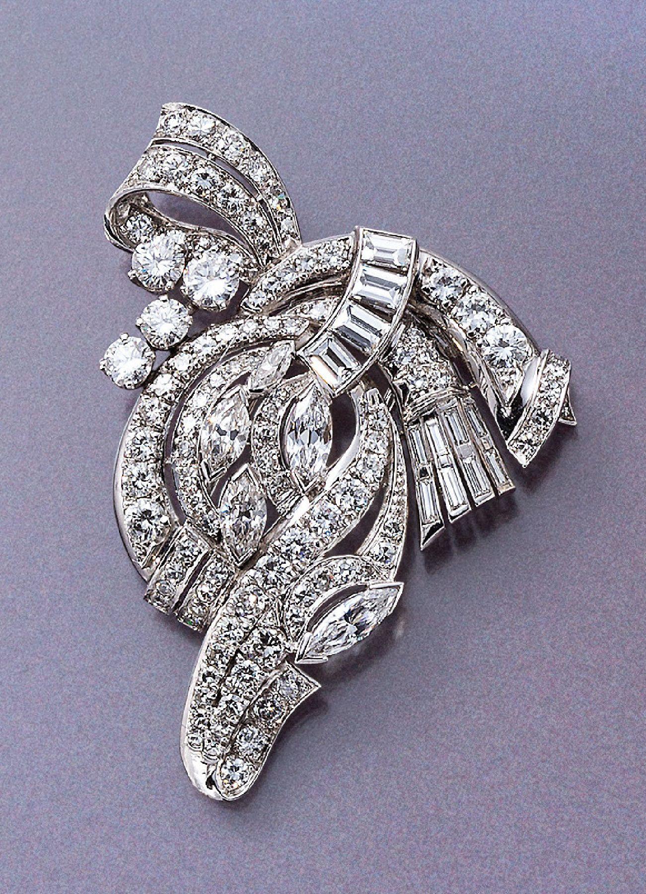 Vente Bijoux anciens et de Collection, Argenterie chez Henry's Auktionshaus : 220 lots