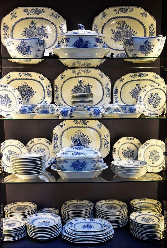 Vente Porcelaine, Cristal, etc.  chez Oprechte Veiling : 344 lots