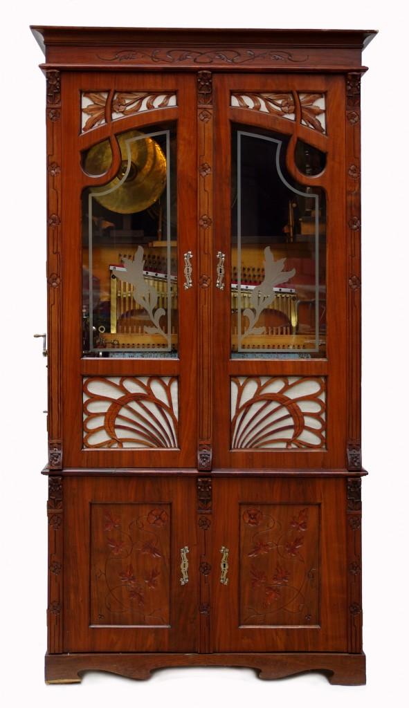 Vente  Armes Anciennes, Boites à Musique, Techniques, Art Européen et Asiatique chez Antikvity Praha, s.r.o : 3 lots