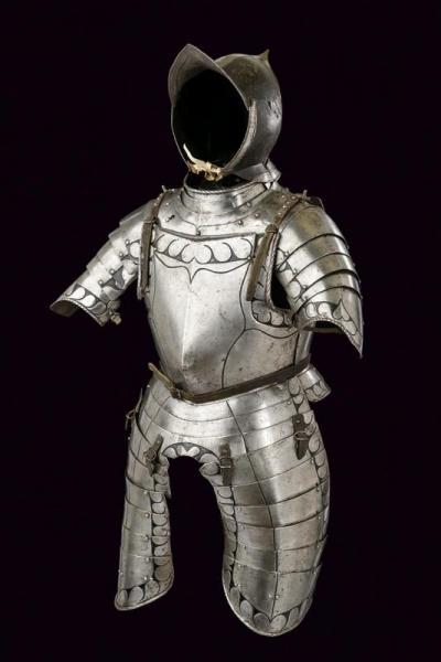A fine black and white composite half armour - dating: Late 16th Century  - [...]