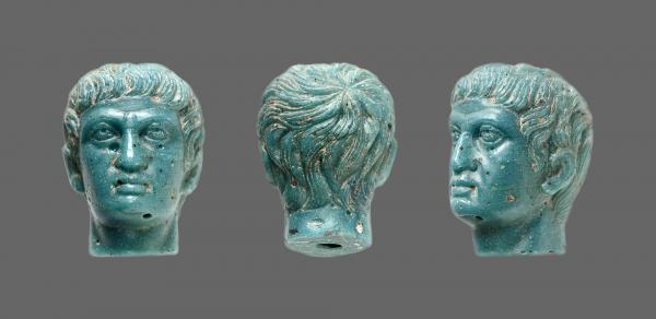 EMPIRE, ROMAN GLASS PORTRAIT OF GERMANICUS, 1st century AD, 35mm. Intact and in [...]