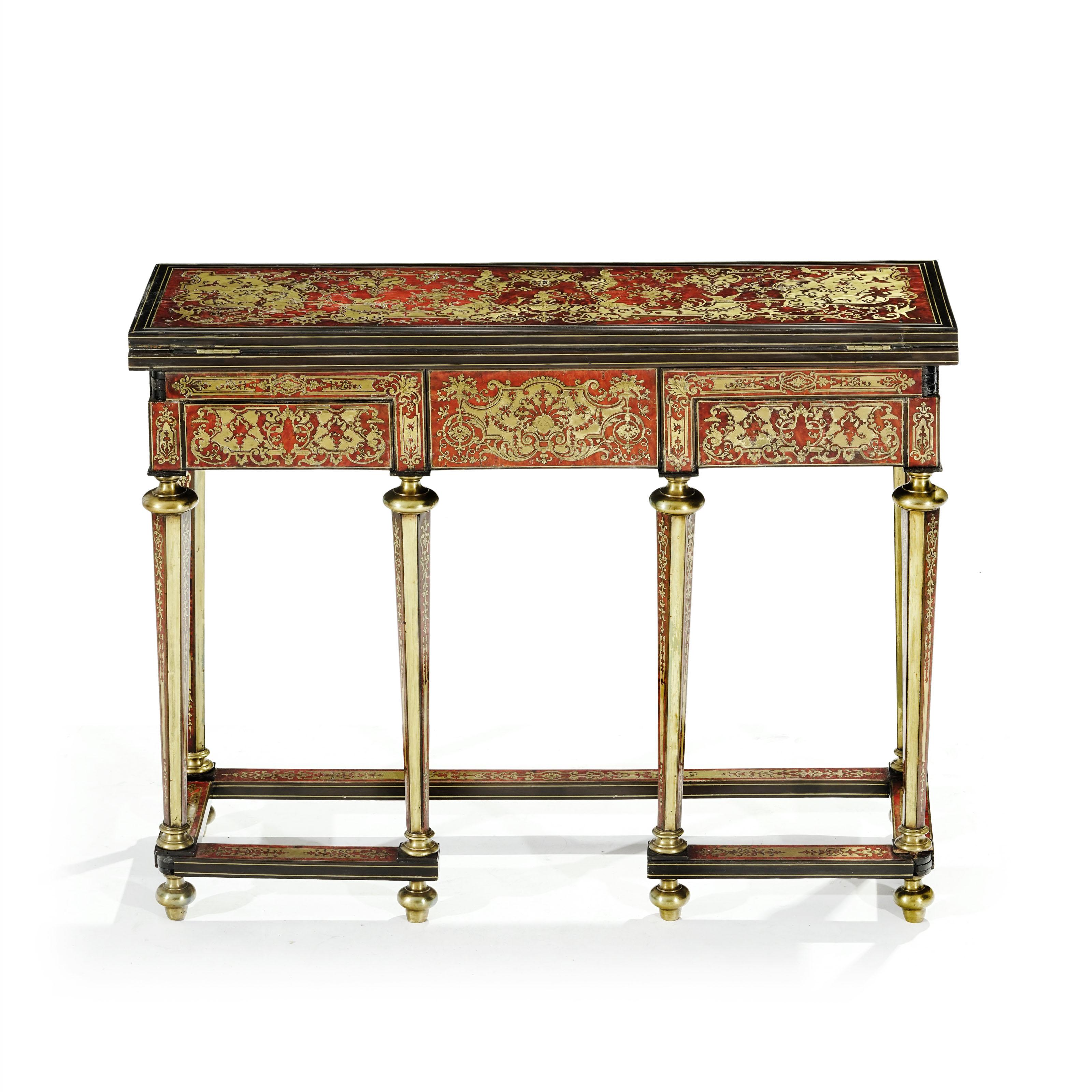 Vente Art Nouveau, Arts de la table, Argenterie, Tapis et Mobilier chez Piguet Hôtel des Ventes : 144 lots
