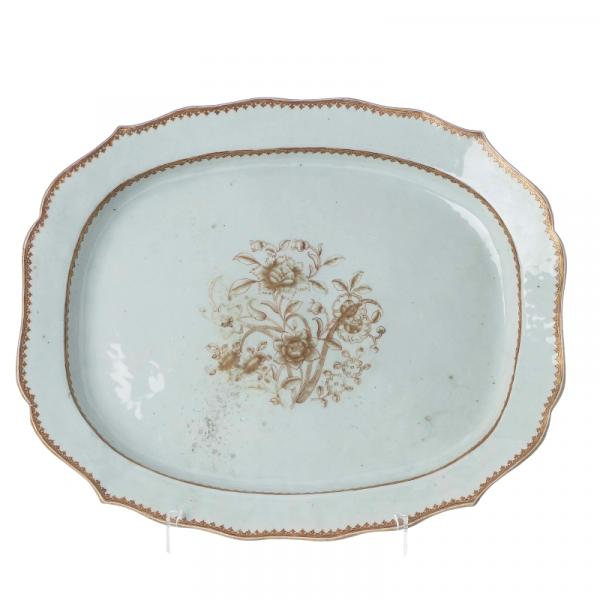 Large Chinese Porcelain Platter, Qianlong - China, export porcelain, 18th century, [...]
