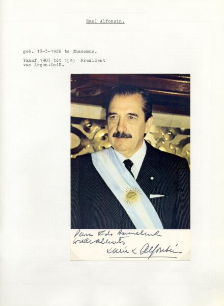 WORLD LEADERS: An attractive 10 x 12 autograph album containing over 75 autographs, [...]