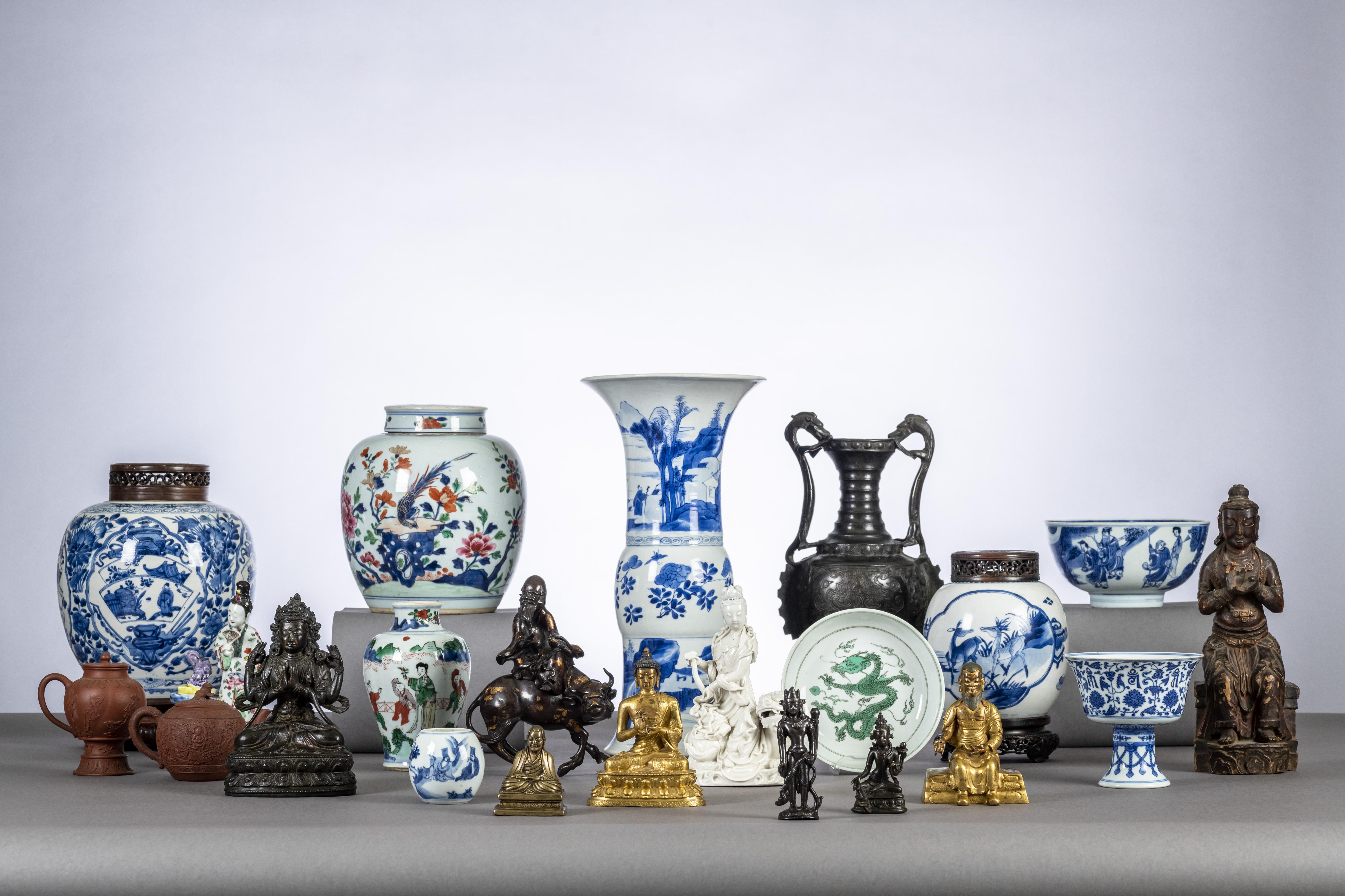 Vente Art Européen et Asiatique chez Loeckx : 517 lots