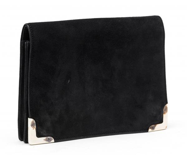 HERMÈS PARIS MADE IN FRANCE  -   - A POCHETTE in black suede. Gold-tone metal [...]