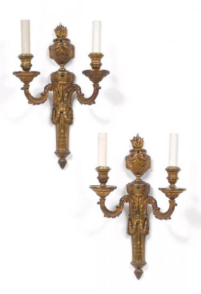 *PAIR OF SCONCES  - Louis XVI, Paris ca. 1775/80.  - Chiseled and gilt bronze. Fitted [...]
