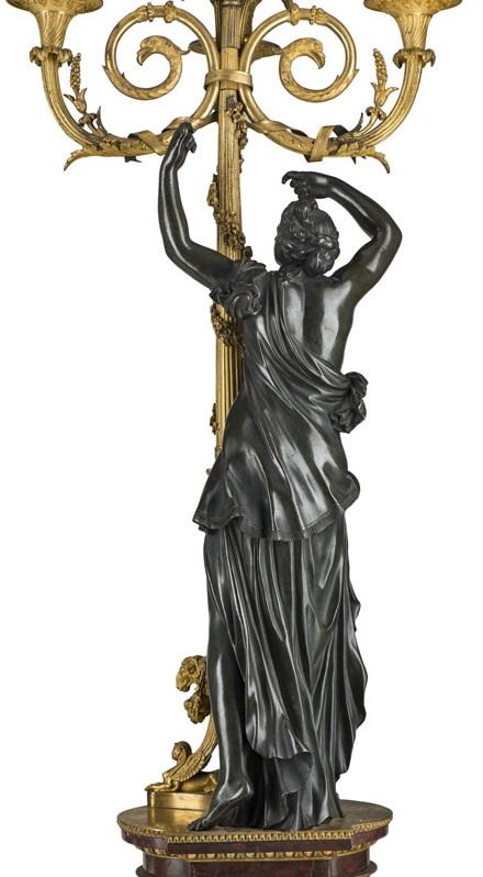 Vente Tapis anciens, Art Nouveau & Art Déco, Céramique & verrerie, Sculptures, Lustres, Miroirs, Mobilier chez Piguet Hôtel des Ventes : 261 lots