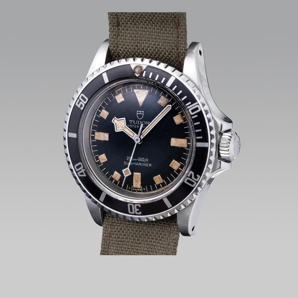 TUDOR SUBMARINER OYSTER  - MARINE NATIONALE  - Réf. 7016/0 Vers 1973. Snow Flake N° [...]