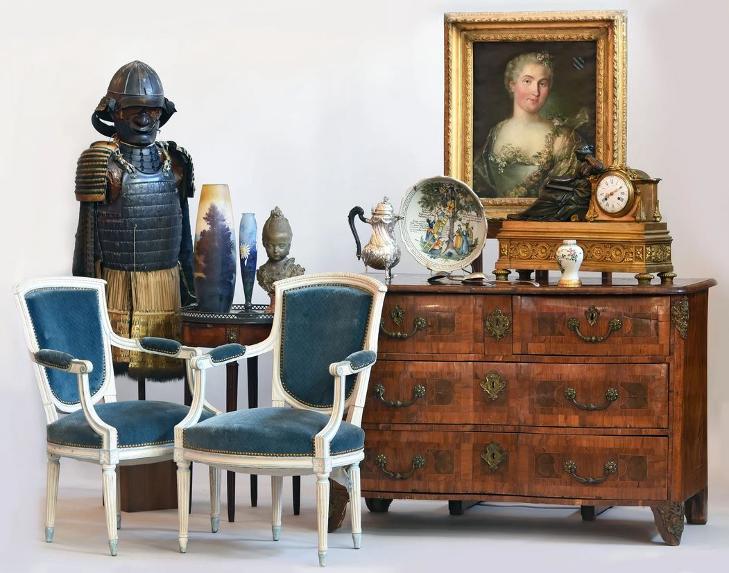 Vente Souvenirs du Château de B. et à divers chez Aisne Enchères : 479 lots