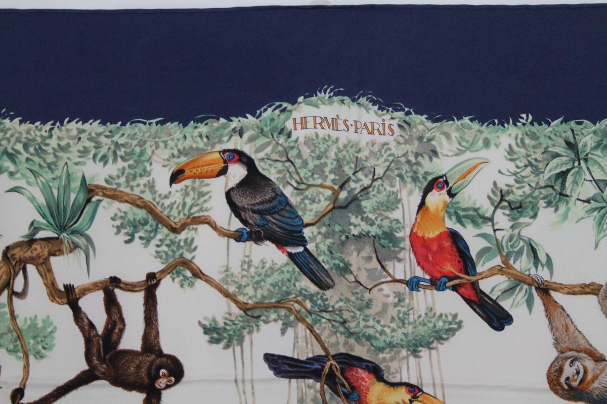"""fb648a63931 HERMES - Carré de soie multicolore - """"Equateur"""" par R. Dallet ..."""