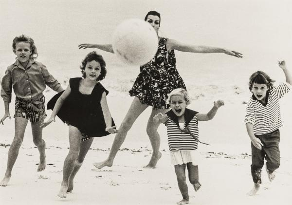 NO RESERVE Norman Parkinson (1913-1990) At the Sea, A Collection of Four Photographs