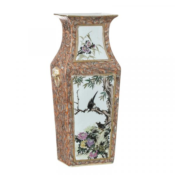 Vase in Chinese porcelain, Minguo - China, Minguo period, polychrome decoration in [...]