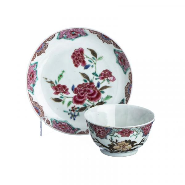 Chinese Porcelain peony Teacup and Saucer, Yongzheng - China, Yongzheng period, [...]