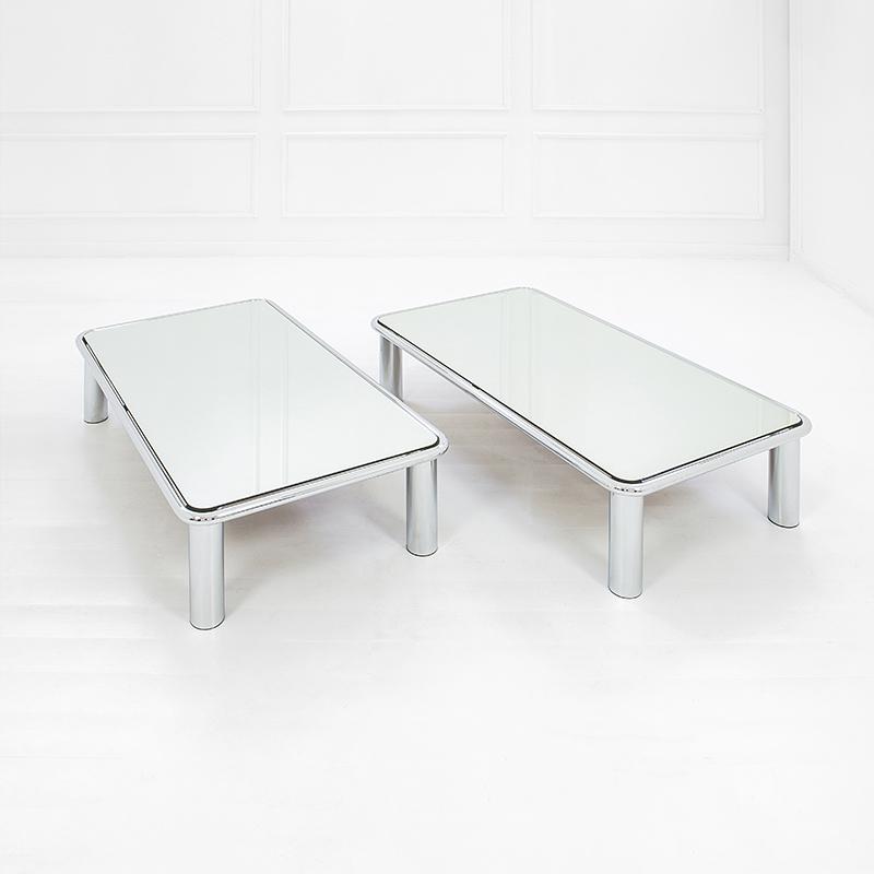 Tavoli Bassi In Vetro.Gianfranco Frattini Due Tavoli Bassi Mod 621 Acciaio Cromato Vetro