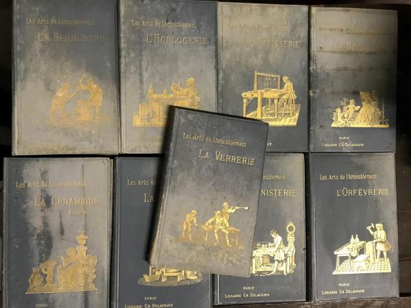 Les arts de l'ameublement.Editions Charles Delagrave, Paris. In-8 Neuf volumes, [...]