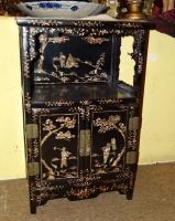 Meuble petit meuble chinois laqu noir avec incrustations for Meuble chinois belgique