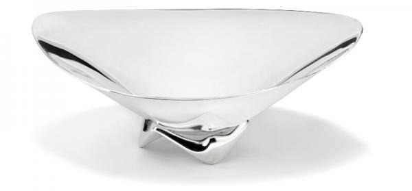Henning Koppel: A large sculptural sterling silver bowl on three-sided foot. H. max. [...]