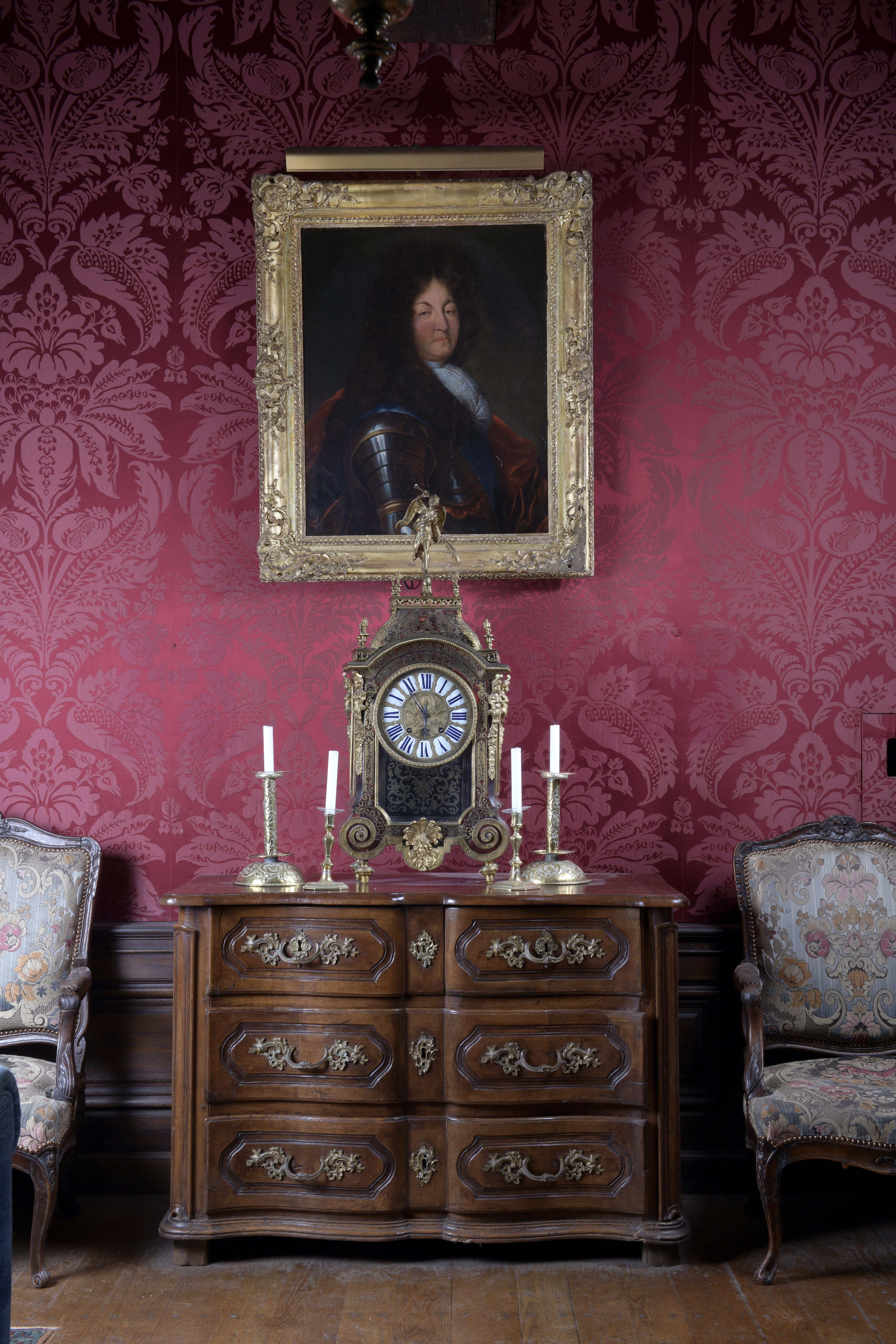Vente Succession Alain Fouquet Abrial - Entier Mobilier du Château de Chabreville chez Lynda Trouvé OVV : 414 lots