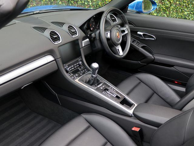 718 (982) BOXSTER image 03