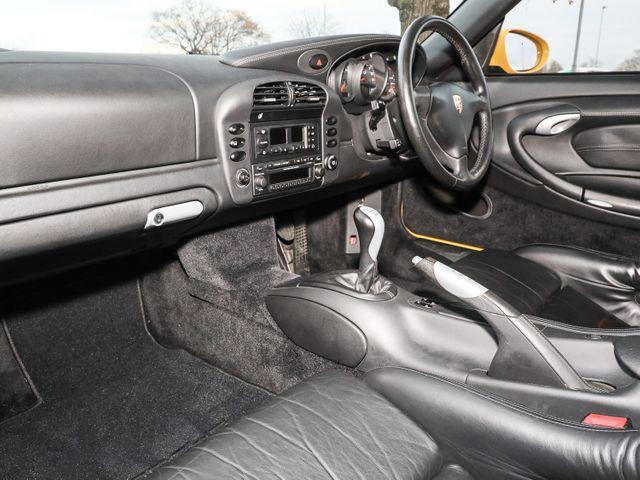 911 (996) GT3 image 03