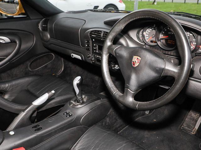 911 (996) GT3 image 12