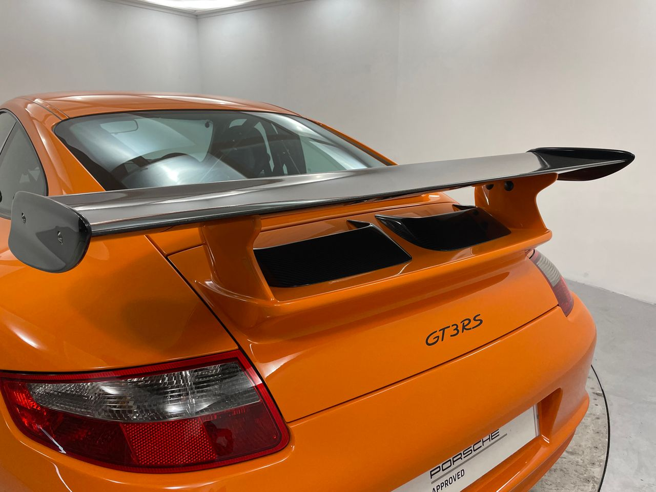 911 (997) GT3 RS image 28