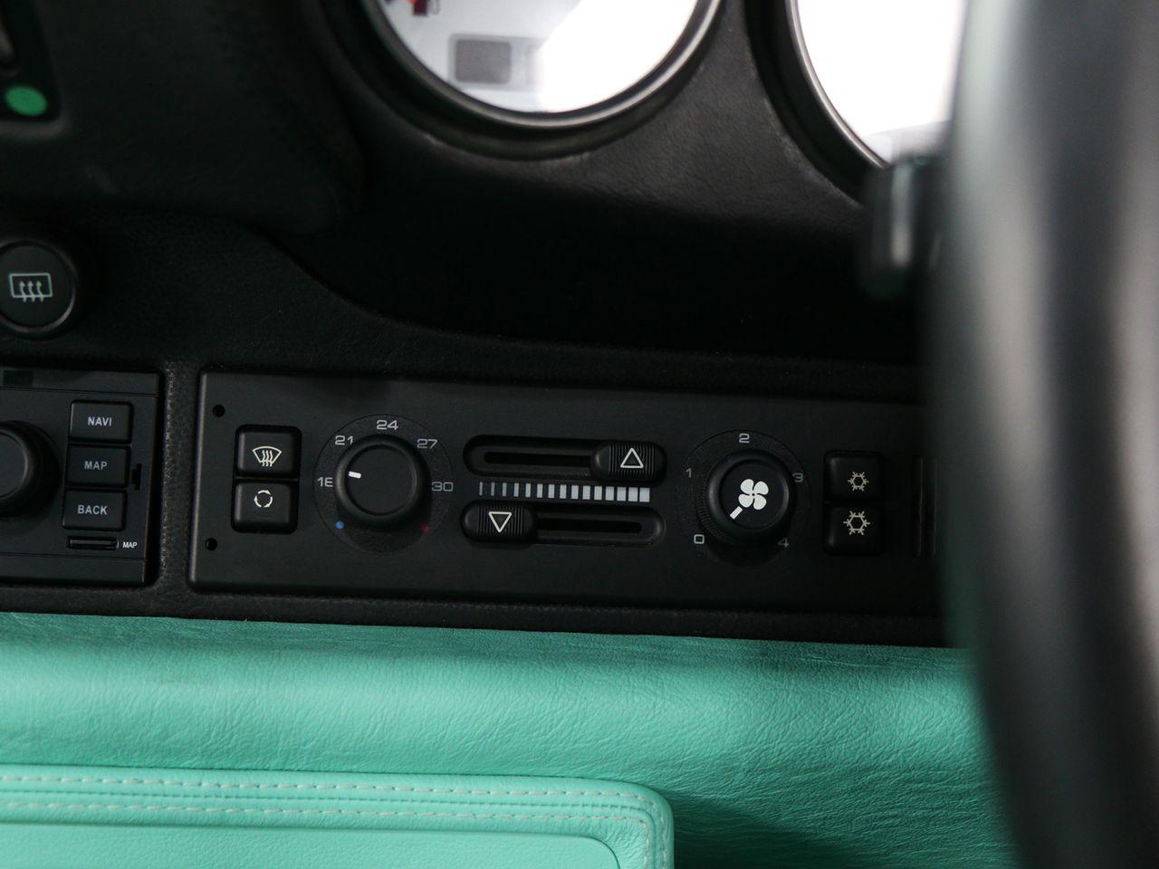 911 (993) CARRERA TIPTRONIC S image 19