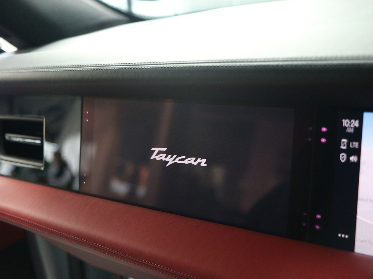 Taycan 4S (93KWH) (4) image 18