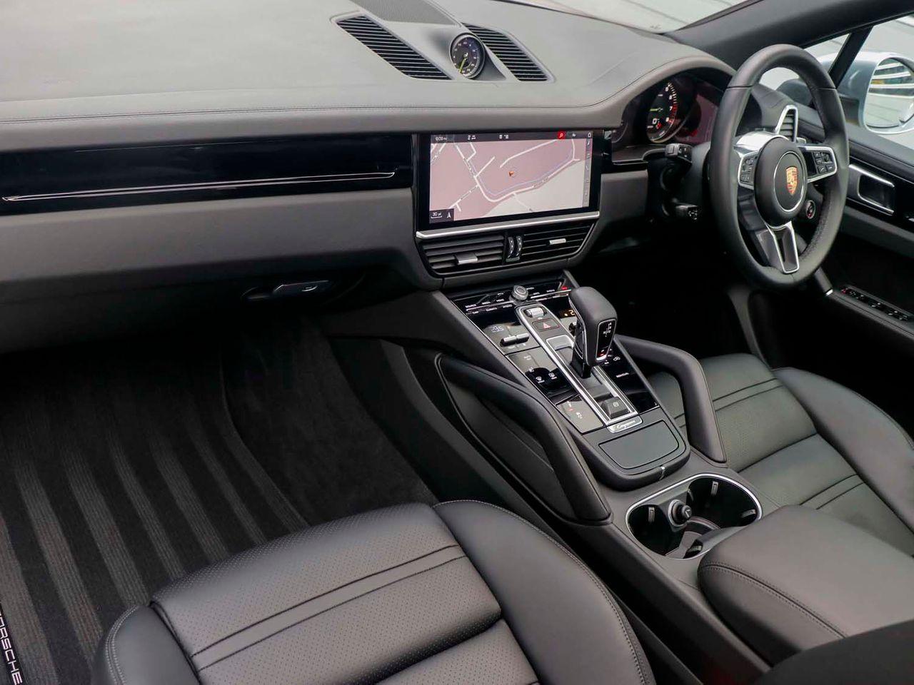 Cayenne V6 (9) image 03