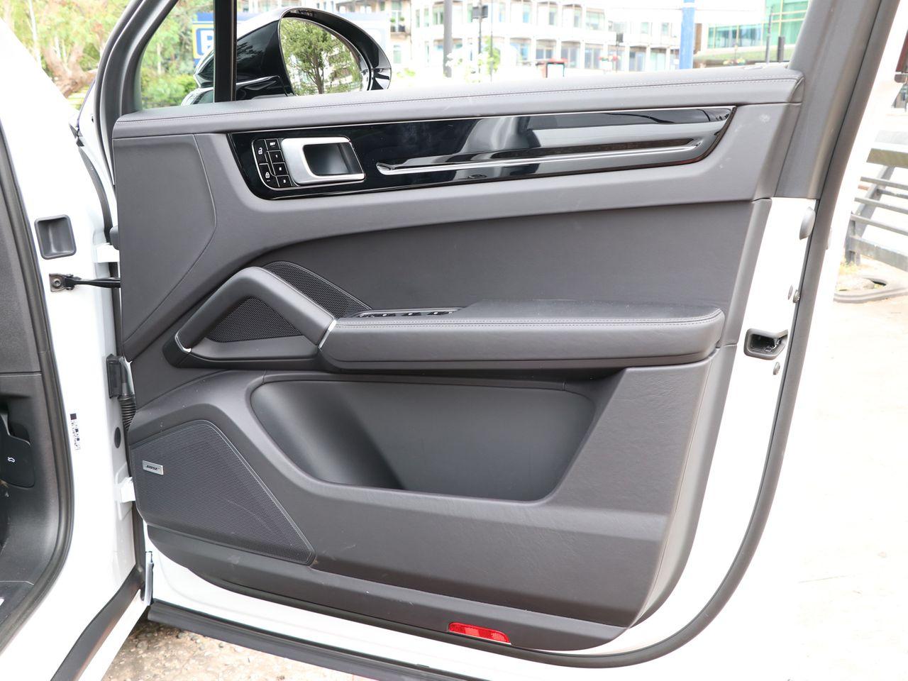 Cayenne V6 S TIPTRONIC (33) image 24